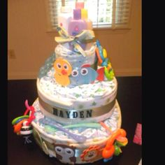 Diaper cake! I have to make one for my nephew Heath!! @DianaHahn