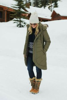 Outfits for the snow, cold weather outfits, winter wear, autumn winter fa. Cold Weather Outfits, Fall Winter Outfits, Winter Wear, Autumn Winter Fashion, 2016 Winter, Long Winter, Outfits For The Snow, Snow Boots Outfit, Snow Day Outfit