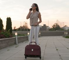 McKlein gurulós utazótáska, üzletasszonyoknak akik kényelmesen szeretnének utazni.