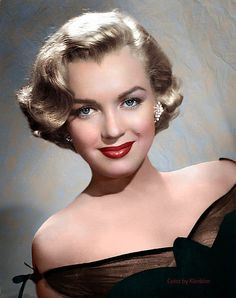 Marilyn Monroe, a major sex symbol of Hollywood in Marylin Monroe, Marilyn Monroe Kunst, Marilyn Monroe Photos, Marilyn Monroe Haircut, Hollywood Stars, Hollywood Icons, Hollywood Glamour, Classic Hollywood, Old Hollywood