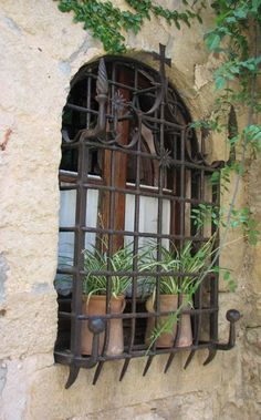 Wrought Iron window grill, window guard, Irish Iron Serving Sacramento CA. Would be good for plain kitchen window Spanish Style Homes, Spanish Revival, Spanish House, Spanish Colonial, Iron Windows, Windows And Doors, Arched Windows, Spanish Architecture, Architecture Details