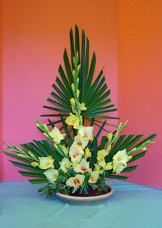 line design in floral arrangement | Floral Design Unit Descriptions