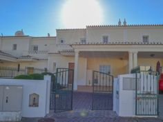 Idealhomesportugalrentals.com offering real estate service like 2 2bed Apartment in Lagos and Marina. Free Property Guide Algarve and book Holiday villas in Lagos. http://idealhomesportugalrentals.com.webstatsdomain.org/