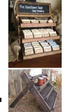 Espositore Craft Stall Display, Sock Display, Craft Fair Displays, Display Ideas, Farmers Market Display, Market Displays, Soap Booth, Craft Stalls, Aging Wood