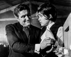 Patrick Macnee and Linda Thorson in the Avengers