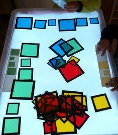 Great light and shadow play based learning ideas. Reggio Emilia, Sensory Activities, Kindergarten Activities, Activities For Kids, Preschool, Diy Light Table, Reggio Children, Sensory Lights, Overhead Projector