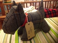 Tweed Scottie dog.