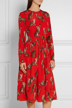 Multicolored silk crepe de chine Concealed hook and zip fastening at back silk Dry clean Made in Italy Cat Dresses, Girls Dresses, Flower Girl Dresses, Clothes Rail, Silk Crepe, Printed Silk, Virtual Closet, Red, Italy