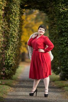 Emilie Audrey BBW sexy curvy girl thick chubby plump Plus Size fashion model