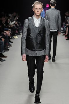 Kris Van Assche Fall 2014 Menswear Collection Slideshow on Style.com