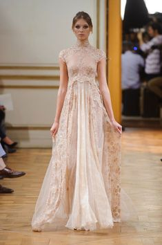 This Zuhair Murad Haute Couture fall 2013 wedding dress nails the luxe lace look. Zuhair Murad, Evening Dresses, Prom Dresses, Formal Dresses, Dresses 2014, Bridal Gowns, Wedding Gowns, Lace Wedding, Wedding Vintage