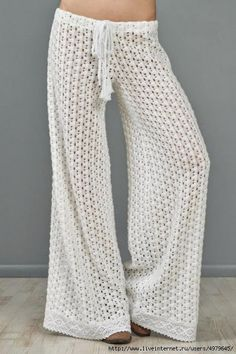 Crochet Skirts Free Pattern – Crochet Pants - This pattern is for all the people requesting a pants pattern. This free pattern is hopefully all there as it took sometime to find a pretty one that I hope you will like. These would be perfect fo… Mode Crochet, Crochet Diy, Crochet Skirts, Crochet Woman, Crochet Poncho, Crochet Chart, Crochet Clothes, Crochet Patterns, Poncho Patterns