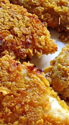 Amish Oven-Crusted Chicken - moist and juicy chicken coated in crispy, crunchy corn flakes is a simple dish that will please everyone! ❊