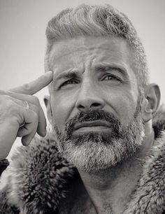 Beard Styles For Men, Hair And Beard Styles, Silver Foxes Men, Beard Cuts, Men Bodies, Grey Beards, Gq Men, Beard Grooming, Awesome Beards