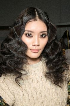 "100 Inspiring Hair and Makeup Looks From the Fashion Month Runways Hairstyle Frisur ""Schachtelhalm"": die Trends des modischen Winters 2018 Hair Inspo, Hair Inspiration, Inspo Cheveux, Artist Makeup, Fashion Show Makeup, Fashion Hair, Runway Hair, Runway Makeup, Beauty"