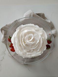 vanillastrawberrycake Icing, Desserts, Food, Tailgate Desserts, Deserts, Essen, Postres, Meals, Dessert