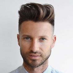 There are many fashionable ways to wear a comb over fade haircut. Because a comb over is a versatile, trendy hairstyle, it is perfect for all hair types. Mid Fade Comb Over, Comb Over Fade Haircut, Short Comb Over, Low Fade Haircut, Undercut Long Hair, Undercut Hairstyles, Haircuts For Men, Men's Haircuts, High And Tight Haircut