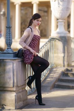 Mode Outfits, Sexy Outfits, Sexy Dresses, Shift Dresses, Skirt Outfits, Women With Beautiful Legs, Pantyhose Outfits, Sexy Legs And Heels, Fashion Tights