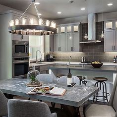 Loving this kitchen by @jordaniversonsignaturehomes