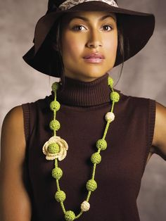 Buds & Blossoms Necklace - free crochet pattern