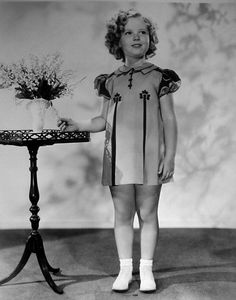 shirley temple in pretty dress Baby Doll Picture, Temple Dress, Ginger Rogers, Old Movie Stars, Yesterday And Today, Cute Little Girls, Vintage Hollywood, Beautiful Actresses, Pretty Dresses