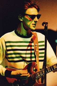 Paul Weller may have recently turned 60 but the man shows no sign of wear whatsoever, here are his best looks. Mod Fashion, Punk Fashion, Blur Band, Steve Marriott, The Man Show, The Style Council, Wave Rock, Johnny Marr, Paul Weller