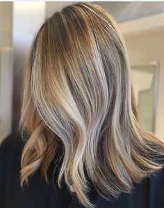 Natural blond bayalage