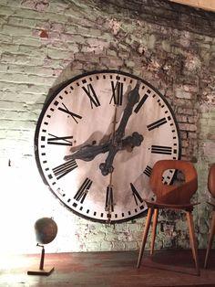 yesurprise pendule murale en bois mdf rond horloge diy vintage num ration romaine 014d amazon. Black Bedroom Furniture Sets. Home Design Ideas
