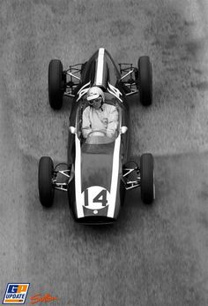 XX Grand Prix de Monaco – Circuit de Monaco - 3 June 1962 – Bruce McLaren 🇳🇿 – Cooper Car Company – Cooper-Climax - winner - 1962 World Championship of Drivers (round Coventry, Bruce Mclaren, Mclaren Cars, Monaco Grand Prix, Formula 1 Car, Old Race Cars, Mc Laren, F1 Racing, Car And Driver