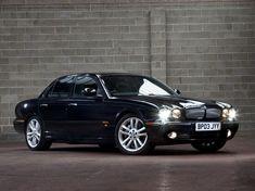 Jaguar XJR (2003 – 2007).