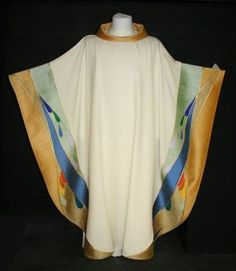 Maison Bouvrier - Recognized the world over for making the finest vestments available. - TP Chasuble Water