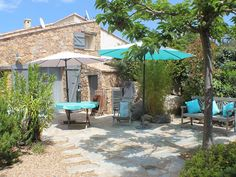 House with garden 50 meters from the beach . - Homeaway-Haus mit Garten 50 Meter vom Strand entfern… – FeWo-direkt House with garden 50 meters from the beach … – Homeaway - Old Stone Houses, House With Porch, Pergola Patio, Corsica, The Good Place, Places To Go, Home And Garden, Villa, Outdoor Structures