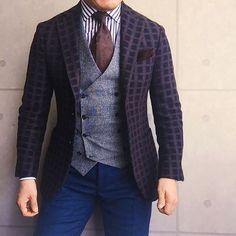 . 2016/11/30. . おはようございます✨. . 今日はこんな感じで😊😆😊. . パターンオンパターンすぎるコーデに なってしまいました😆. . Jacket #beamsf Gilet #Bevilacqua Shirts #Brillaperilgusto Tie #LUIGIBORRELLI Chief #Holidayandbrown Pants #Santaniello * * * #mensstyle #mensfashion #menswear #mnswr #wiwt #fashion #fashionstyle #fashionable #me #photooftheday #picoftheday #instagood #instastyle #instafashion #IGfashion #instacool #coordinate #dapper #ootd #outfit #outfitpost #fashiongram #gentleman