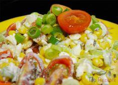 Studentensalat, der sehr schnell zubereitet ist, gesund und vor allem günstig ist.