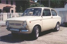 Fiat 850 Special Fiat 850, Old Classic Cars, Specs, Badass, Automobile, Wheels, Boat, World, Italia