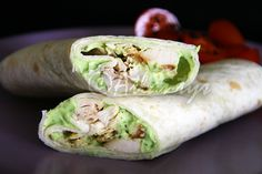 Terapia do Tacho: Wrap de frango com molho de abacate (Chicken wrap with avocado sauce)