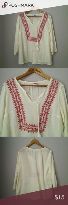 """Boho Tassle Embroidered Top Am NWOT New never worn! 100% cotton. Perfect bohemian style top for Spring and summer! Bust 19"""". Length 26"""".   Bundle for best deals! Hundreds of items available for discounted bundles! Bundle offers welcome.   Follow on IG: @the.junk.drawer Merona Tops Blouses"""