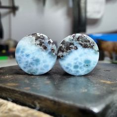 "Two-zoned larimar plugs in 14mm. We have more of this beautiful larimar (a.k.a. pektolith) material on hand for different sizes. Drop us a mail for a quote: ""pavianplugs@gmx.at"""