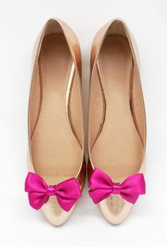 Kokardki Classic Fuchsia- klipsy do butów Coquet Przypnij te kokardki gdzie chcesz! Do butów, włosów , ubrań, wszędzie będą wyglądać ślicznie i przywkuwać uwagę!