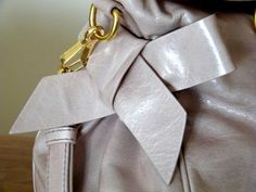 The Glossy Mag fashion blog - fashion, beauty, food and other : IL MIO REGALO DI LAUREA: MIU MIU BOW BAG