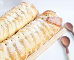 Reteta culinara Placinta cu mere din categoria Dulciuri. Cum sa faci Placinta cu mere