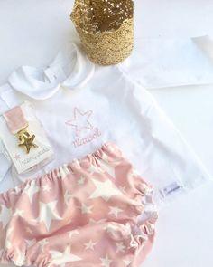 Conjunto primera puesta personalizado por Iresingrapas en Etsy Baby, Cute Clothes, Handmade Gifts, Hand Made, Trends, Baby Humor, Infant, Babies, Babys