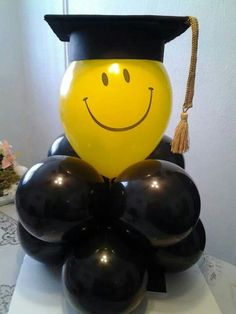 42 ideas party graduation decorations grad gifts - - You are in the right place about DIY Graduation favors Here we offer you the most beautiful pictures Graduation Crafts, Graduation Party Planning, College Graduation Parties, Graduation Balloons, Preschool Graduation, Graduation Celebration, Graduation Decorations, Graduation Party Decor, Grad Parties