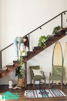 Helpful Home Decorating Tips This article was written to answer many of the most often asked questions on this topic. I hope you find all of this information helpful. When making plans for a home d… Decorating Tips, Decorating Your Home, Interior Plants, Interior Design, Apartment Plants, Interior Stairs, Home Trends, Cool Plants, Plant Decor