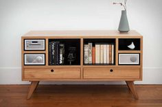 82 Vinyl Record Resurgence Products - From Tree Trunk Turntables to Recycled Record Wine Racks (TOPLIST)