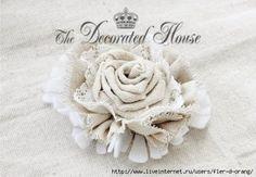 Que tal aprender como fazer uma linda flor de juta com múltiplas utilidades? Confira o passo a passo!