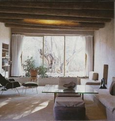 Moon to Moon: Artists' Homes..... Georgia O'Keefe's Ghost Ranch