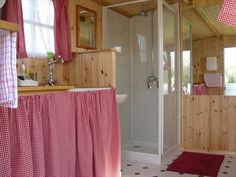 www.gypsycaravanbreaks.co.uk  Here's the bathroom!