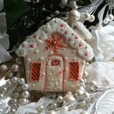 Gingerbread house cookies snowflakes Christmas