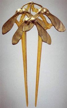 Amas tanto el Art Nouveau como nosotros? Hermoso accesorio para una novia vintage  #noviavintage